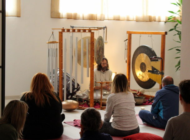 l'immagine raffigura: EVENTO: Meditazione con Campane Tibetane, Gong, Strumenti Etnici